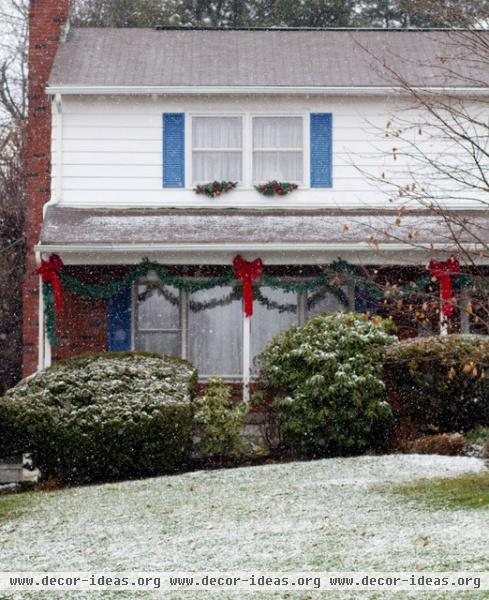 Poughkeepsie, NY Winter Decor - traditional - exterior - new york