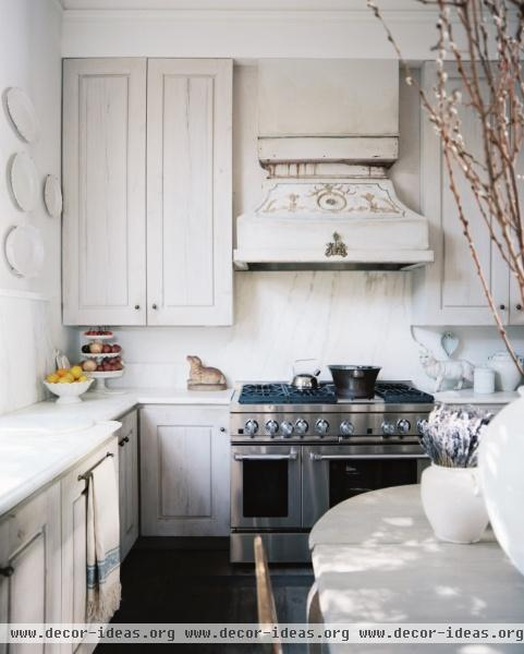 Country Shabby Chic Traditional Kitchen