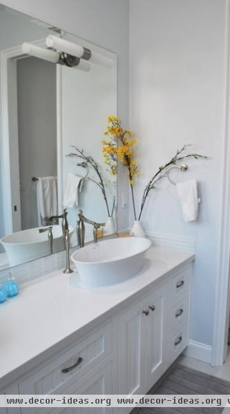 Harbor House - eclectic - bathroom - orange county