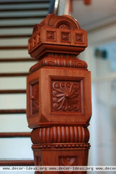 traditional staircase by Ladd Suydam Contracting, LLC