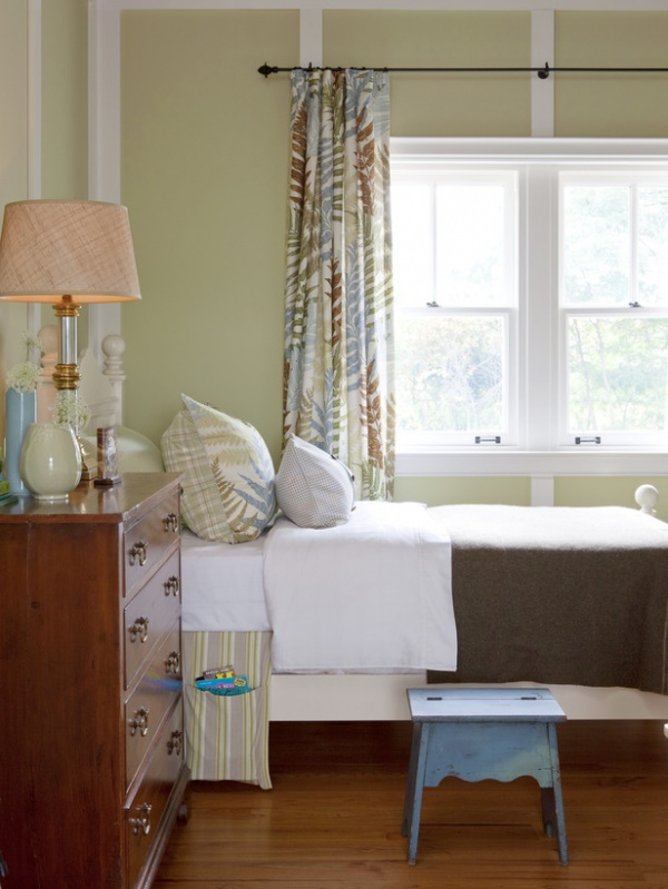 Kid's Bed Covered with Wool Army Blanket : Designers' Portfolio