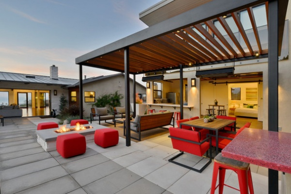 Contemporary Patio by Hauck Architecture