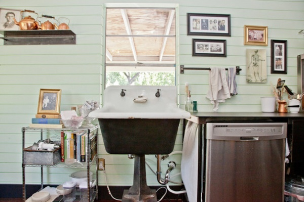 Shabby chic Kitchen by Sarah Natsumi Moore