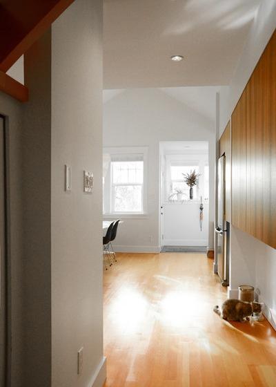 Modern Kitchen by Jane Vorbrodt