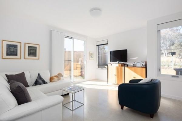 Modern Living Room by Jigsaw Housing