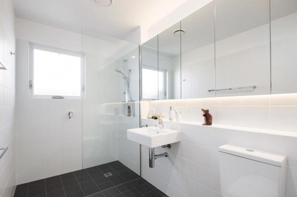 Modern Bathroom by Jigsaw Housing