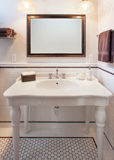 Victorian Bathroom by Thompson Naylor Architects Inc
