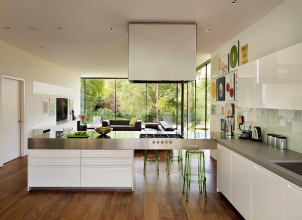 Contemporary Kitchen by Gregory Phillips Architects